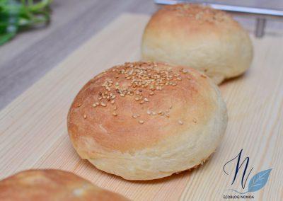 Pan de Viena vegano - Pan de hamburguesa - Pan horneado